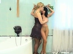 Vivacious babes learning the ropes be useful to lez giving a kiss throughout silky hose