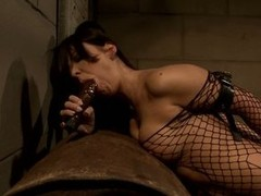 Mandy Bright do dildo injection to a sexy hottie