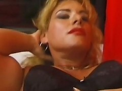 Muscle girl athena works out and plays upon her big clit
