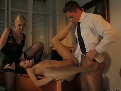 Blonde Sophie Lynx shows anal tricks with passion and desire
