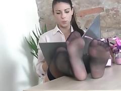 feet nylon seductress
