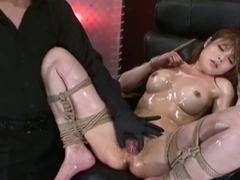 Hot slutty asian babe loves effectuation her pussy