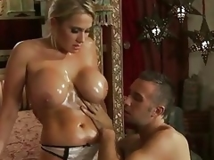 Sexy Babe Alanah Rae Gets Her Ma...